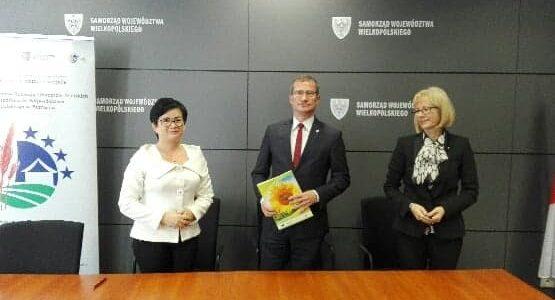 Podpisanie umowy przez Gminę Lądek